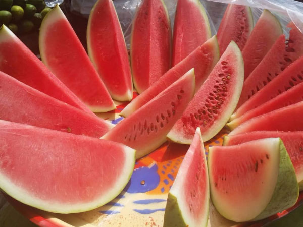 Health benefits of Watermelon: Nutrition/Calories