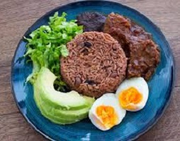 Traditional Ghanaian Waakye Recipe