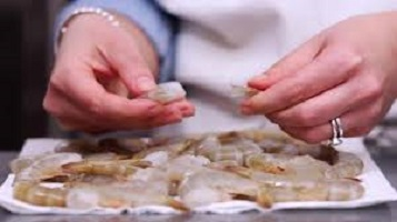 How to Peel and Devein Shrimp A Step-by-Step Guide